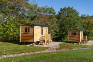 Plough Inn self catering accommodation Shepherd Huts Hathersage
