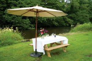 Wedding venue Hathersage, Hope Valley, Peak District - picnic table
